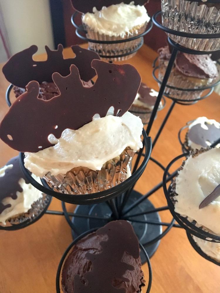Batman-Cupcake-Decorations-4