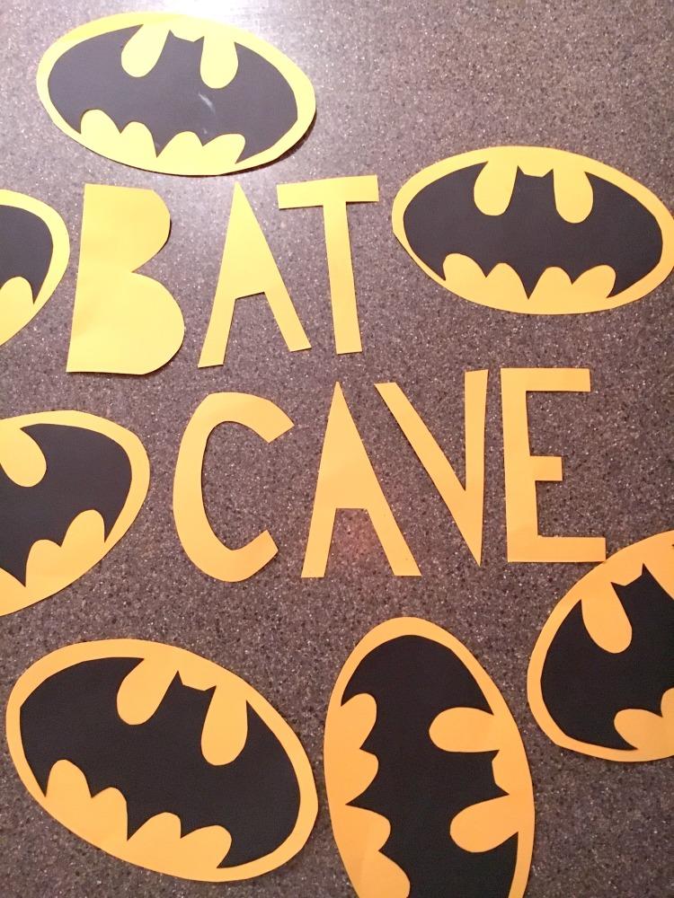 Batman-Cupcake-Decorations-6